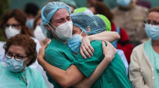 Kasım ayında 63 sağlık çalışanı koronavirüs nedeniyle hayatını kaybetti