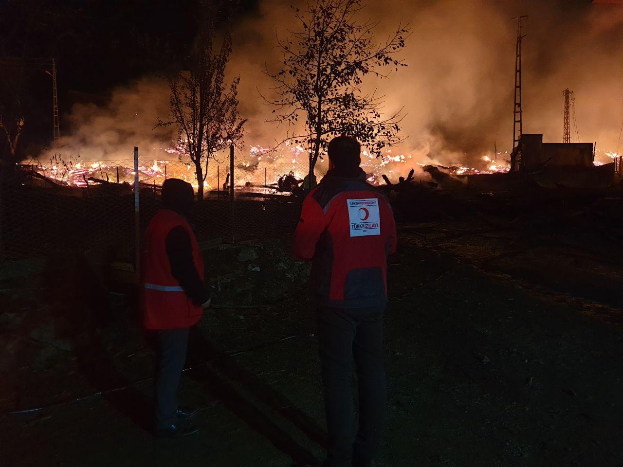 Kastamonu'da korkutan yangın: 1 cami ve 10 ev yandı