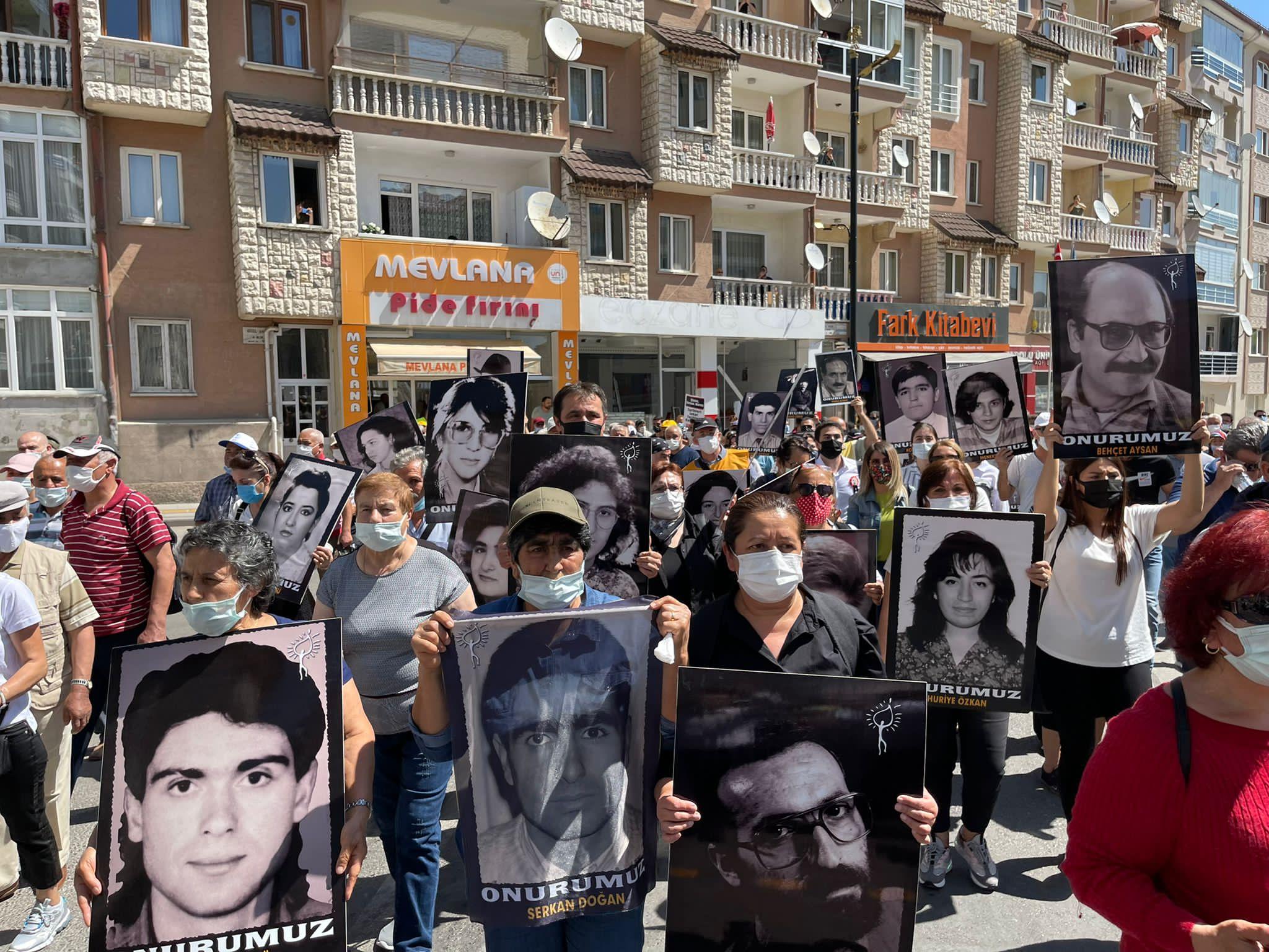 Katliamın 28'inci yılında Sivas'ta anma töreni