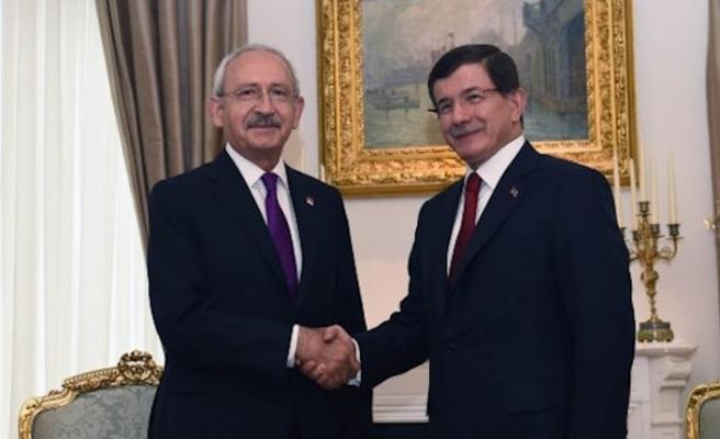 Kılıçdaroğlu ve Davutoğlu açıklamalarda bulunuyor