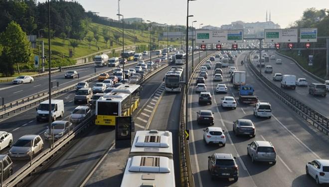Kısıtlaması sonrası İstanbul'da trafik yoğunluğu