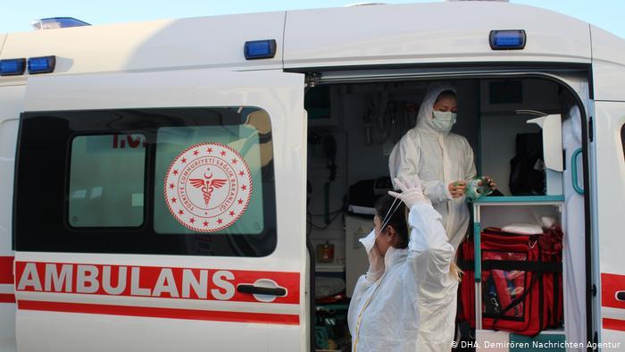 Koronavirüs salgınında günlük vaka sayısı 23 bin 638 oldu