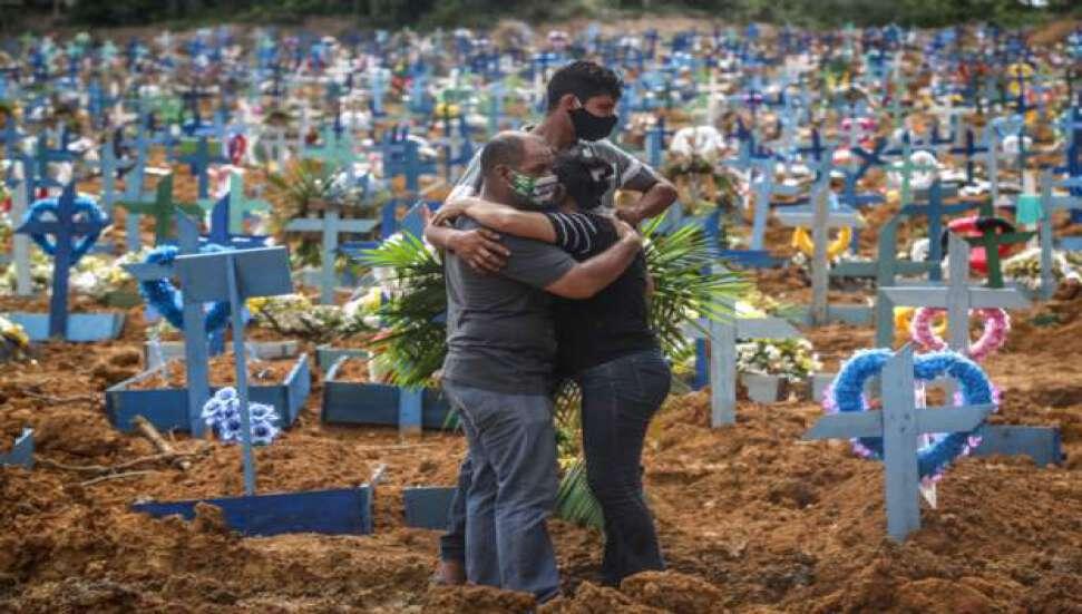 Kovid-19 nedeniyle Brezilya'da 703, Meksika'da 705, Hindistan'da 871 kişi daha öldü