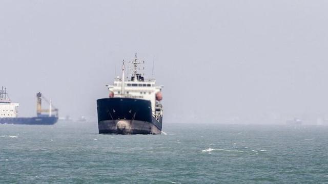 Libya'ya ilaç taşıyan Türk gemisine el konuldu