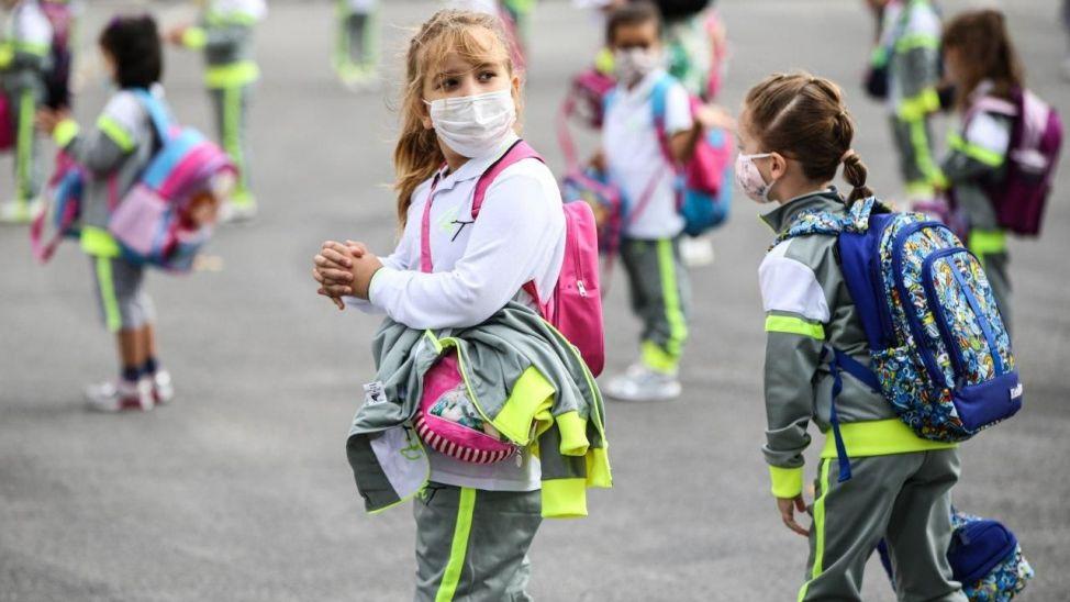MEB duyurdu: Kovid hastası ve temaslısı öğrencilere mazeret izni