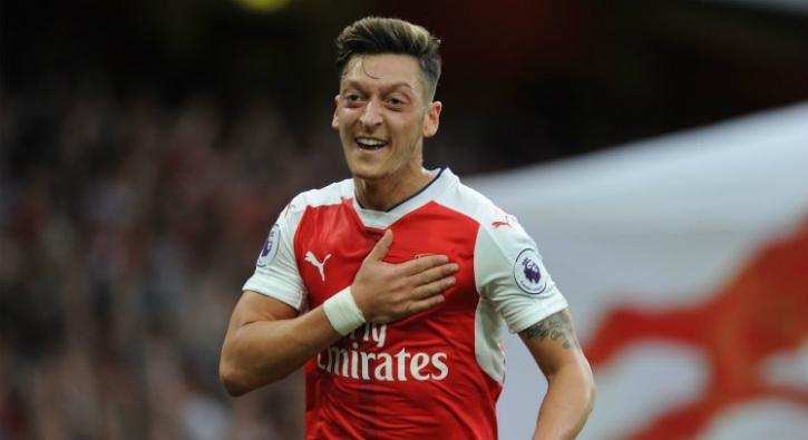 Mesut Özil, Arsenal'den ayrılıyor