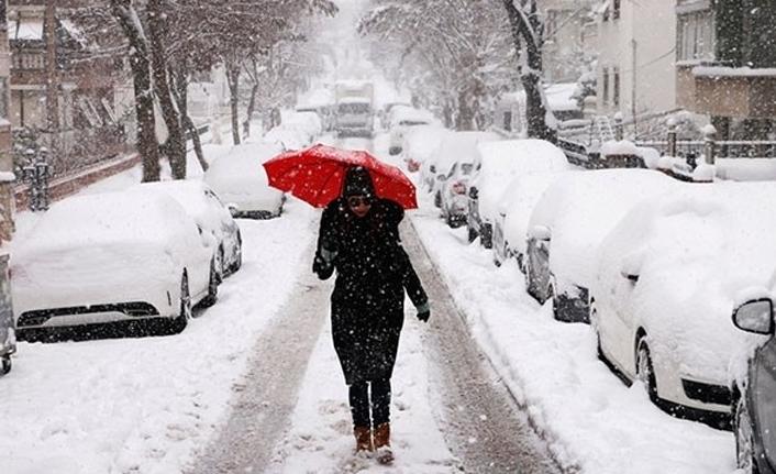 Meteoroloji'den İstanbul için uyarı: Kar kalınlığı 20-40 cm arasında olacak