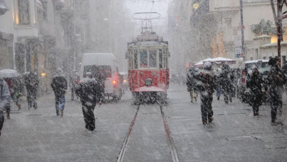 Meteoroloji uzmanı açıkladı: İstanbul'a ne zaman kar yağacak?