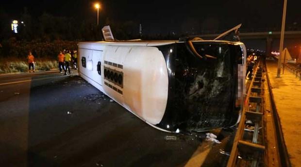 Metro firmasına ait otobüs devrildi, bir kişi yaşamını yitirdi