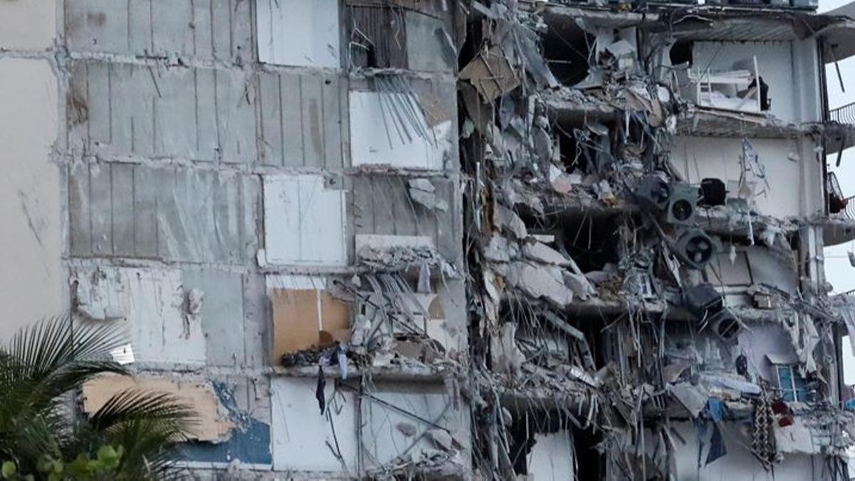 Miami'de çöken 13 katlı binada ölü sayısı 54'e çıktı