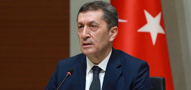 Milli Eğitim Bakanı Selçuk: Salgının yükselişi eğitimi zora sokuyor