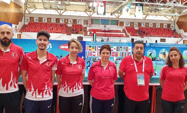 Milli sporcu Seçkin'den Para Badminton Turnuvası'nda 2 madalya