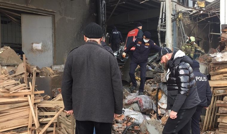 Mobilya fabrikasında patlama: 1 işçi hayatını kaybetti, 4 işçinin durumu ağır