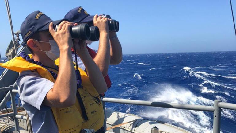 MSB: Kaş açıklarında içinde 45 göçmenin bulunduğu tekne battı, 37 kişi kurtarıldı