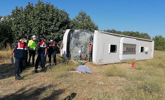 Muğla'da tur otobüsü, öğrenci servisi ile çarpıştı: 1 ölü, 30 yaralı