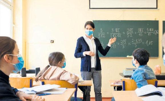 Öğretmenlerin yüzde 72'si iki doz aşı oldu