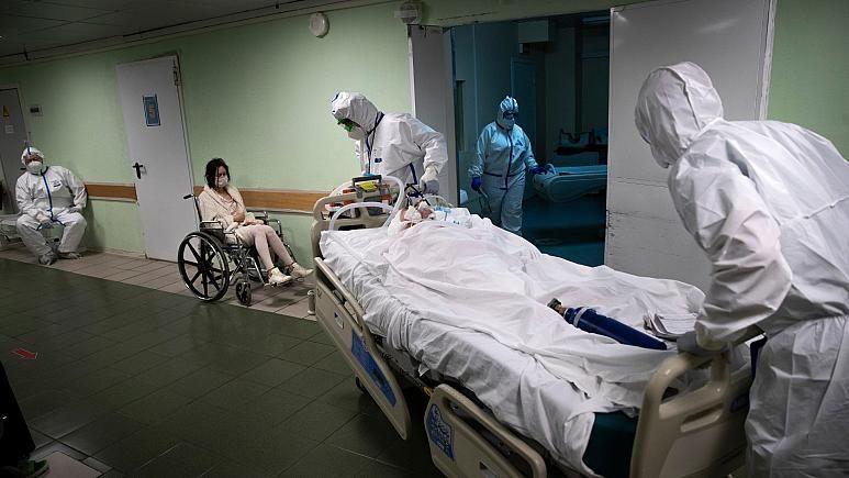 Ölümden dönen 70 yaşındaki koronavirüs hastasına 1 milyon dolardan fazla fatura