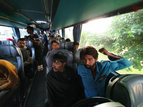 Otobüste 45 kaçak göçmen yakalandı