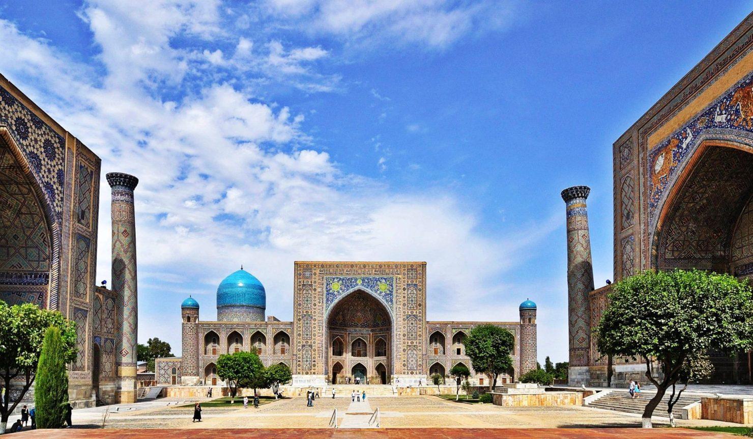 Özbekistan'da Kovid-19 taşıyan turistlere 3 bin Dolar ceza!