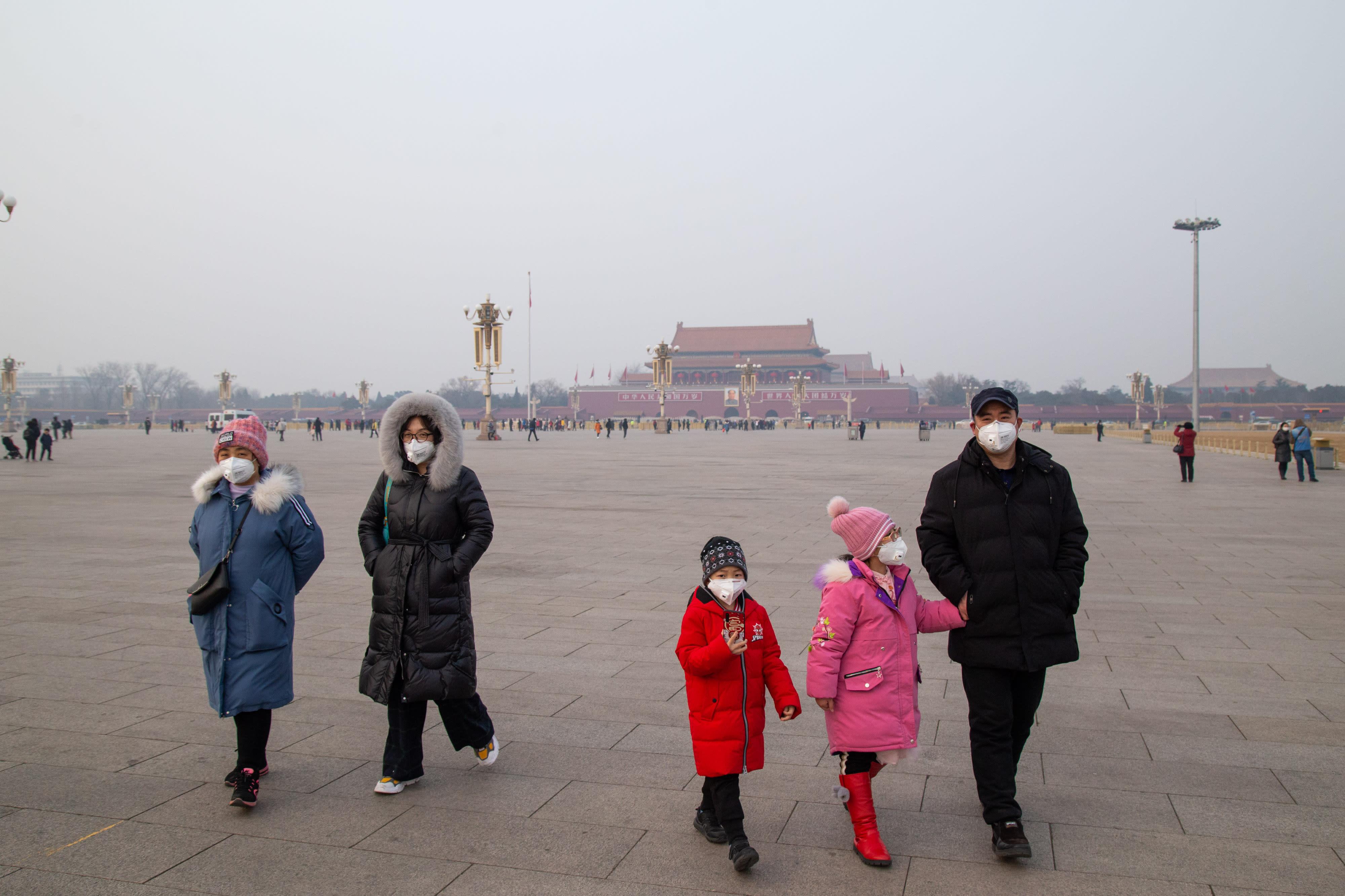Pekin'de karantina önlemlerine geri dönülüyor