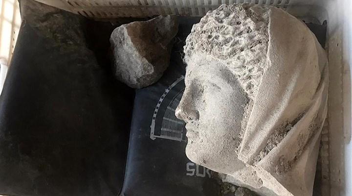 Perge Antik Kenti'nde 1700 yıllık kadın heykeli bulundu