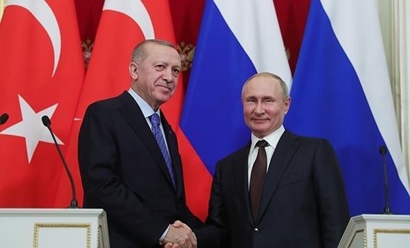 Putin: Dağlık Karabağ'da Türkiye ile anlaşmazlıklarımız var