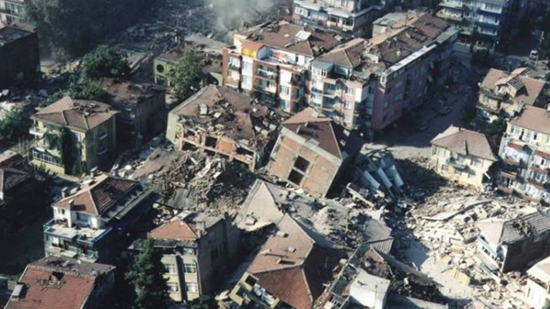 """Beklenen Marmara depreminde 1 milyon insan evsiz kalacak"""