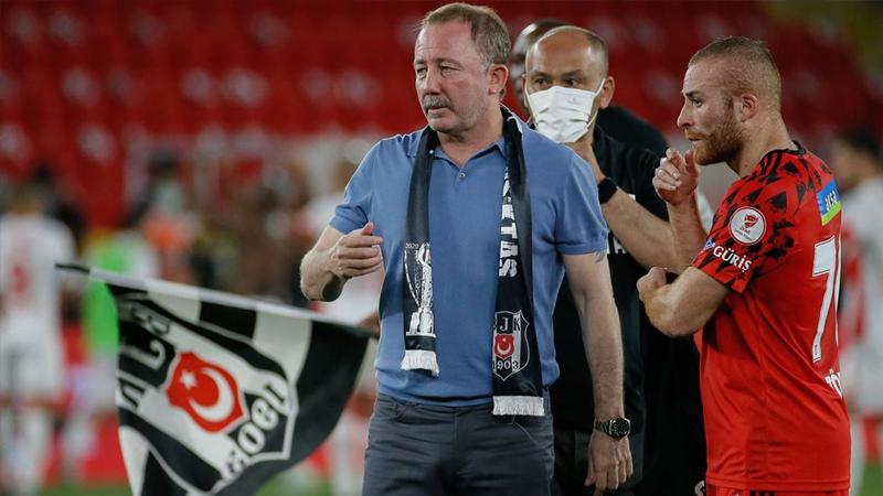 Rıdvan Dilmen: Sergen Yalçın, Beşiktaş'tan ayrılıyor