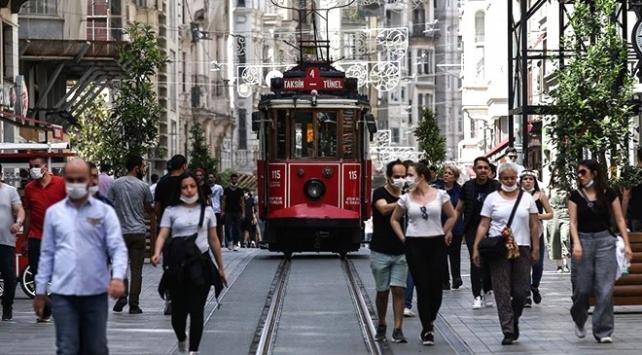 Sağlık Bakanı Koca'dan İstanbul'a uyarı: Artış görülüyor