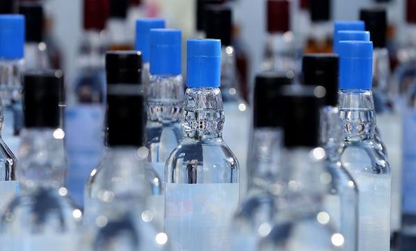 Sahte içkiden 8 günde 52 kişi yaşamını yitirdi