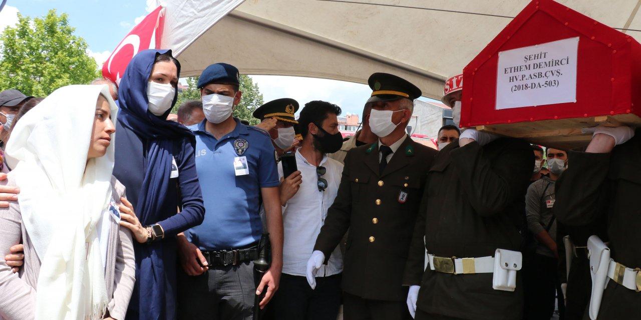 Şehit Astsubay Demirci memleketi Samsun'da uğurlandı