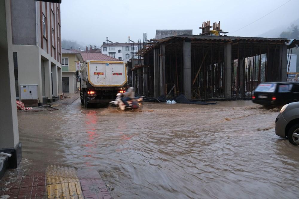 Sel felaketi yaşayan Bozkurt'un sokakları yeniden sular altında