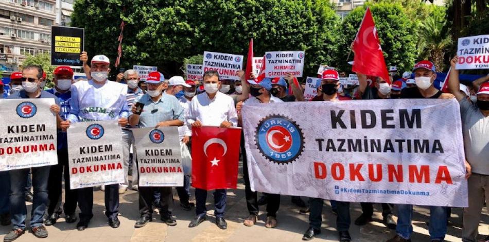 Sendikalar sokakta: Dokunma kıdeme gideriz greve