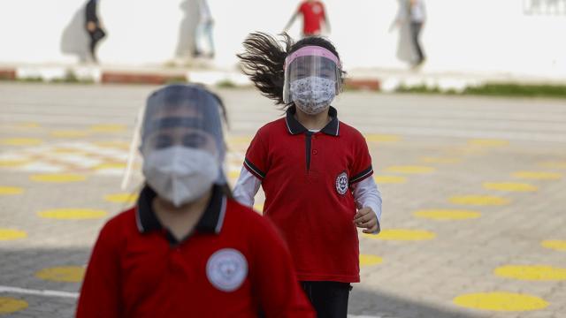 Sinop'ta koronavirüs görülen bir okulda eğitime ara verildi