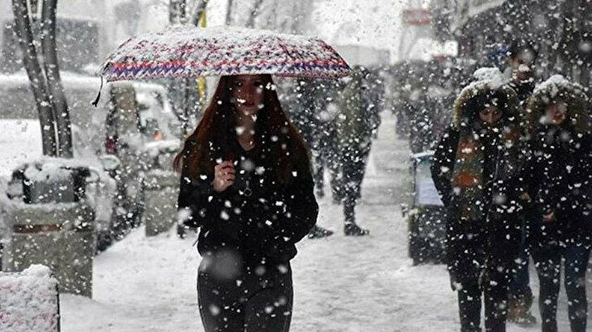 Soğuk hava dalgası geliyor: İstanbul'a 'mont', Karadeniz'e 'sel' uyarısı