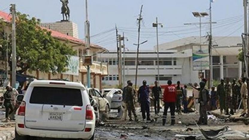 Somali'de parlamento binası girişinde şiddetli patlama
