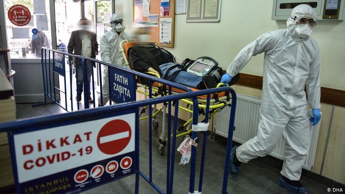 Son 24 saatte 341 kişi koronavirüsten hayatını kaybetti