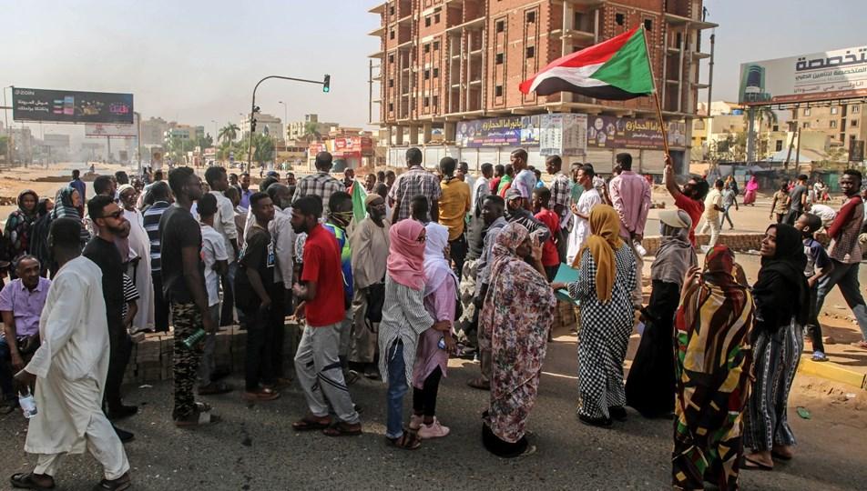 Sudan'da darbe karşıtı protestolarda can kaybı 7'ye yükseldi