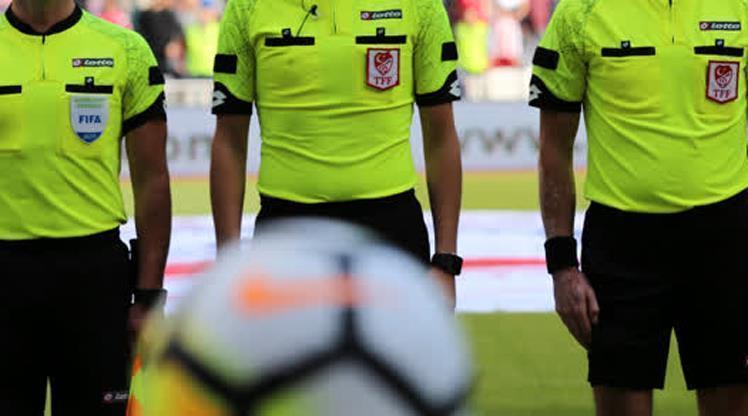 Süper Lig'de ilk hafta maçlarını yönetecek hakemler belli oldu