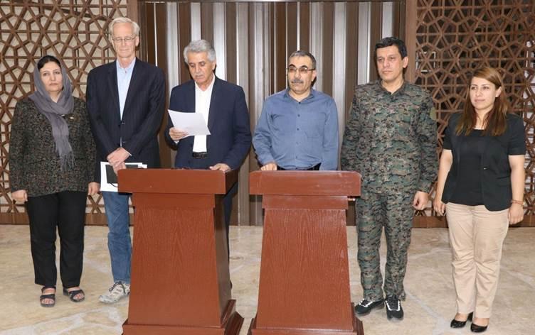Suriye'deki Kürt örgütleri ABD himayesinde birleşti