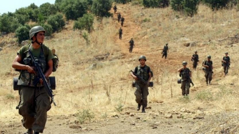 Tatvan'da çatışma: Bir korucu şehit oldu, iki jandarma yaralandı