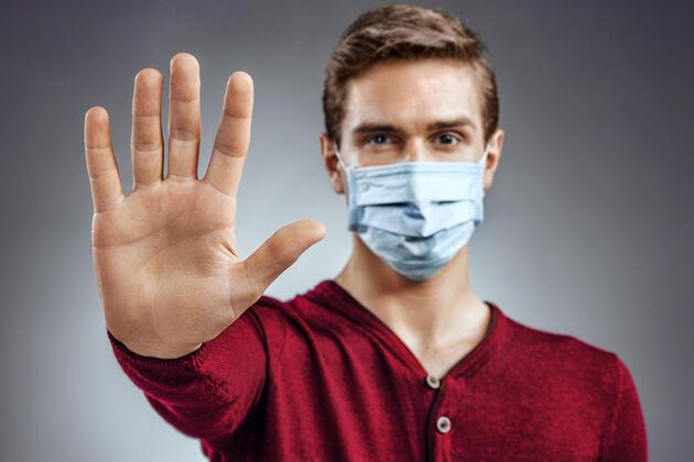 Terden ıslanan maskeyi kullanmayın: Beyinde hastalığa yol açabiliyor!