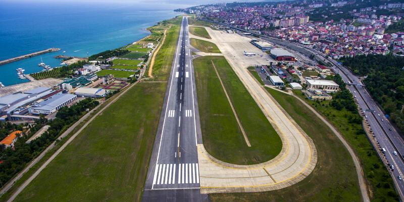 Trabzon Havalimanı pistinde çatlak: Uçuşlar iptal edildi