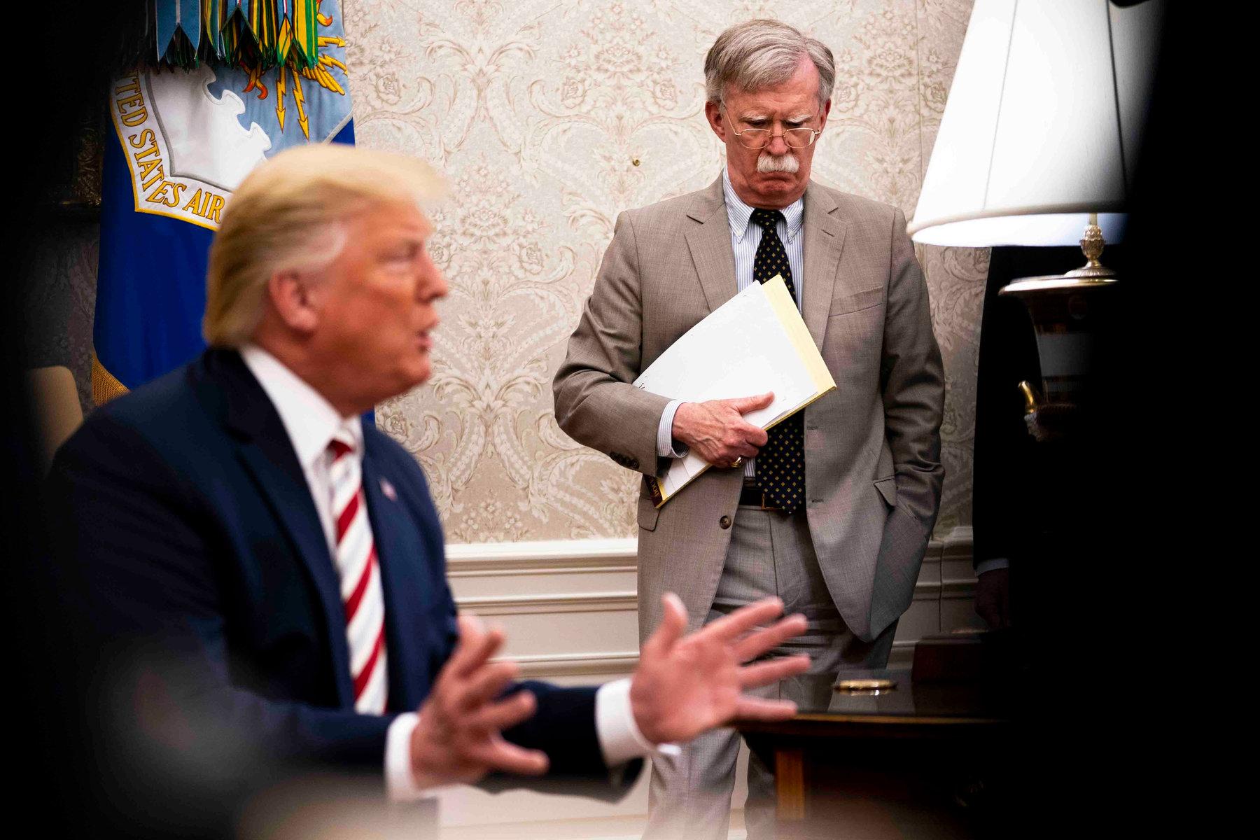 Trump: Bolton gibi bir aptala görev vermek hataydı