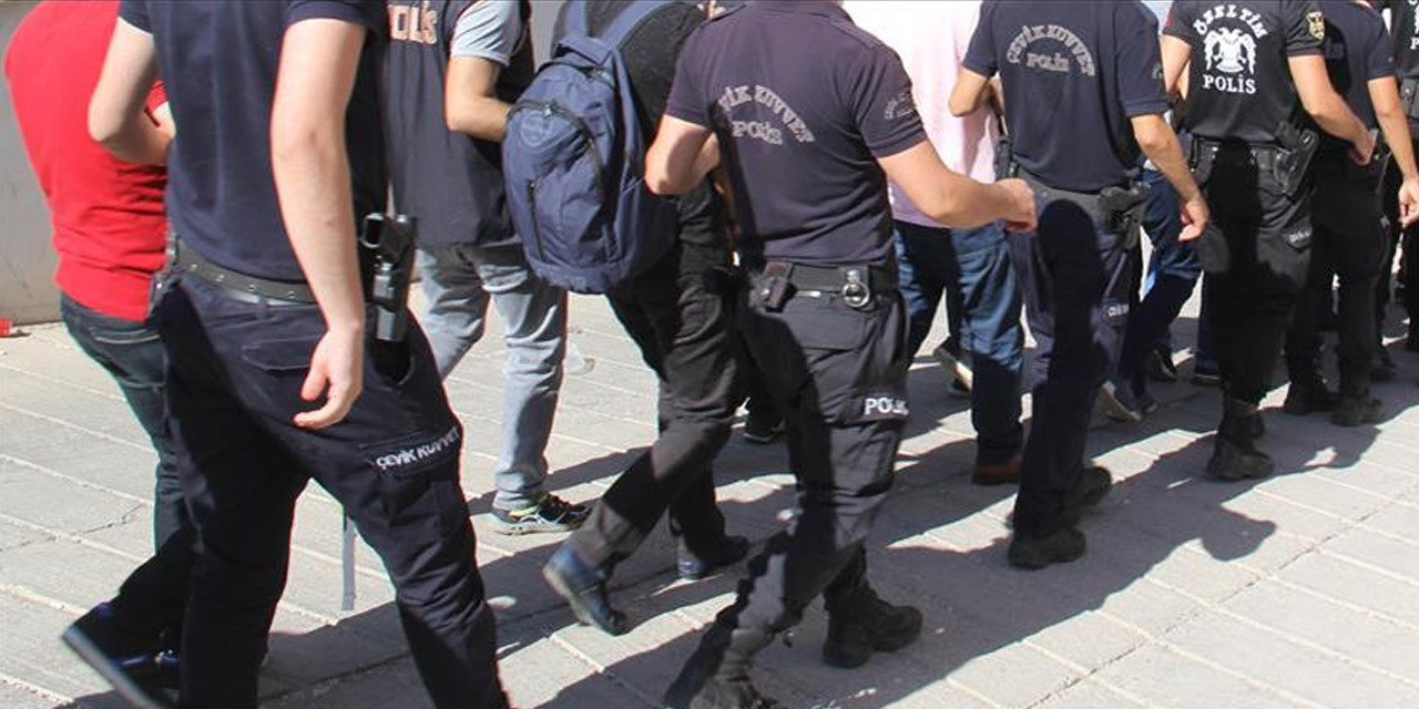 TSK'nde FETÖ'den şüpheli 23 personel tutuklandı