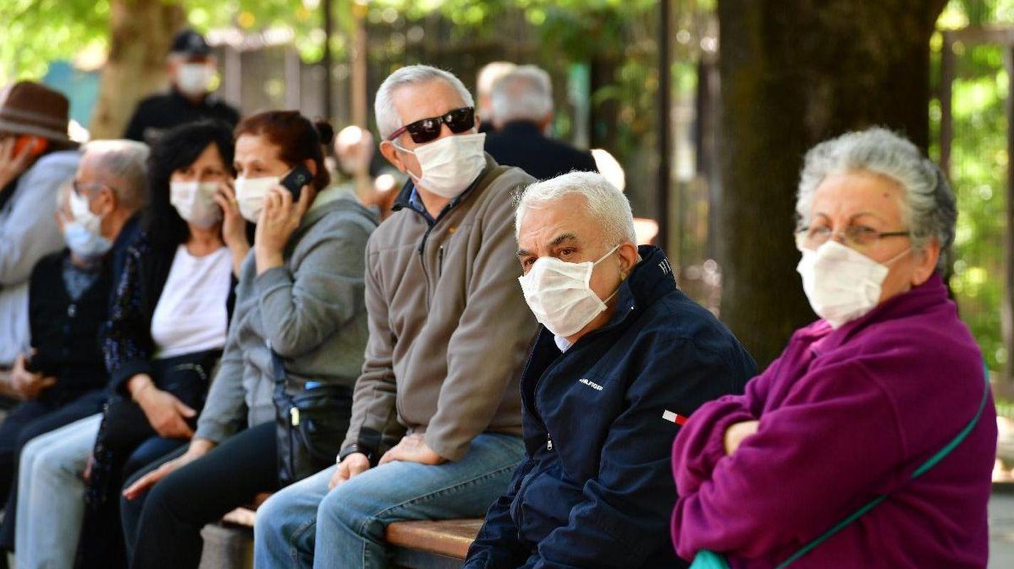 TTB: 65 yaş ve üzeri yurttaşlara uygulanan kısıtlamalar ivedi olarak kaldırılmalı