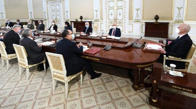 Tunus'ta başbakan görevden alındı, meclisin yetkileri donduruldu