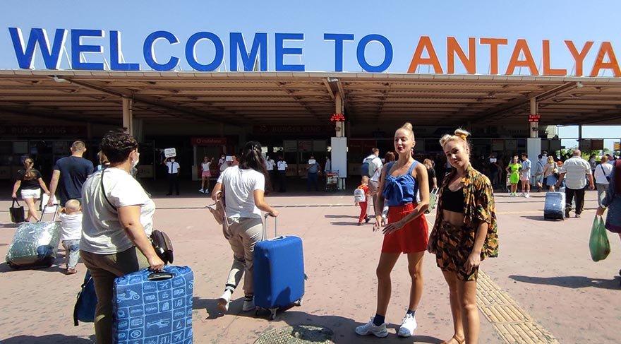 Turizmin gözdesi Antalya'ya bugün 20 bin Rus turist gelecek