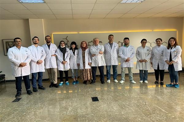 Türk bilimciler Kovid-19 ilacı üretti