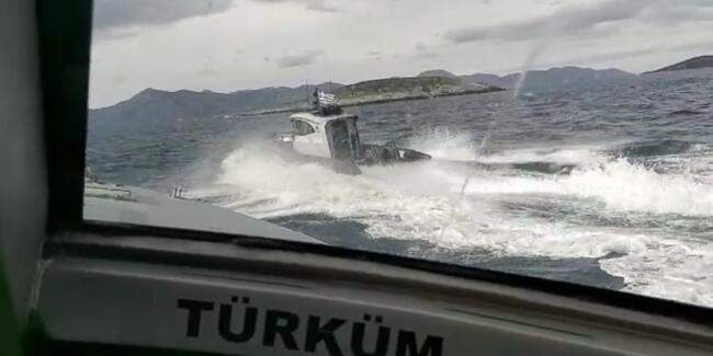 Türk karasularını ihlal eden Yunan botları uzaklaştırıldı